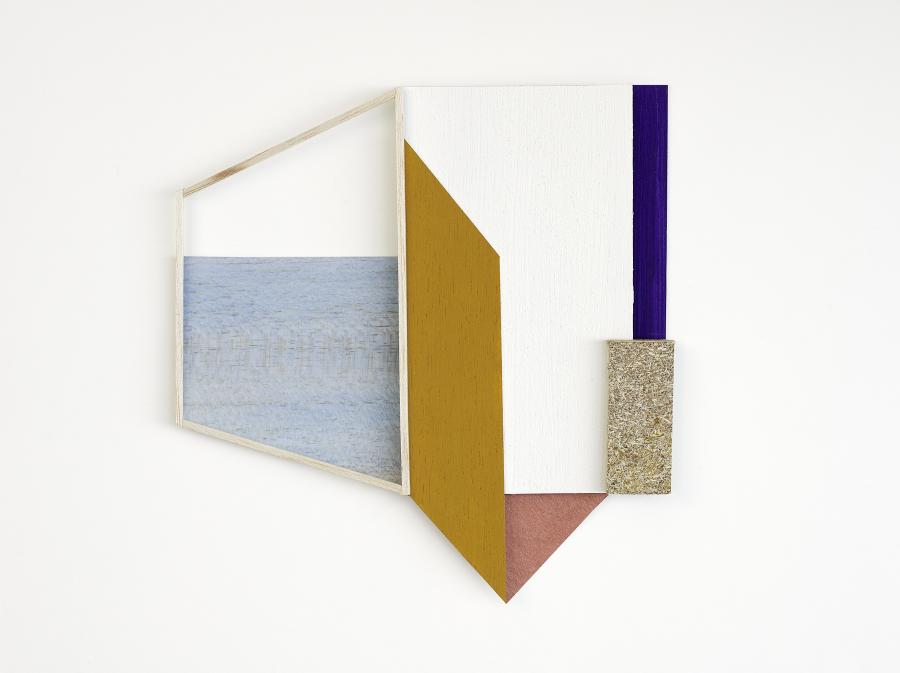 Tine Bay Lührssen - Less Than A Room