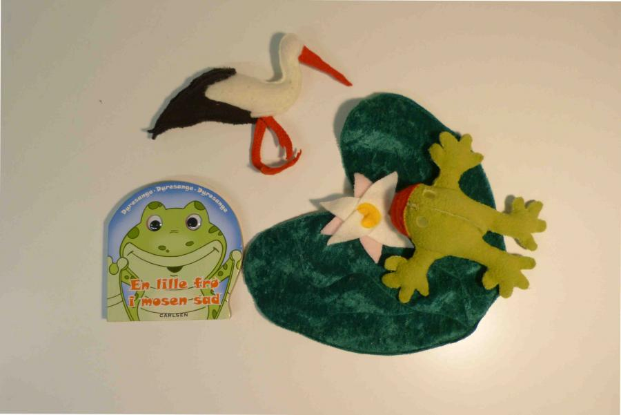 En lille frø i mosen sad - sprogkuffert for 2-6 årige