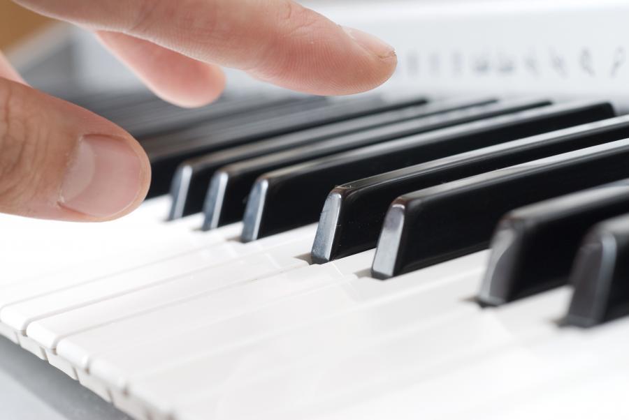 Pianist. Cop. Colourbox