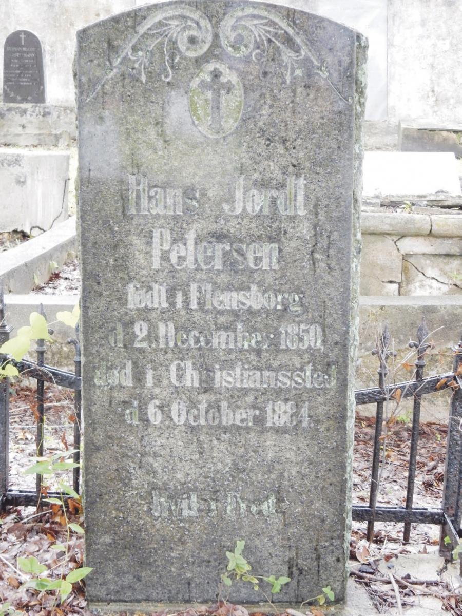 Gravsten på den danske kirkegård i Christiansted på St. Croix. (Foto: Mogens Rostgaard Nissen)