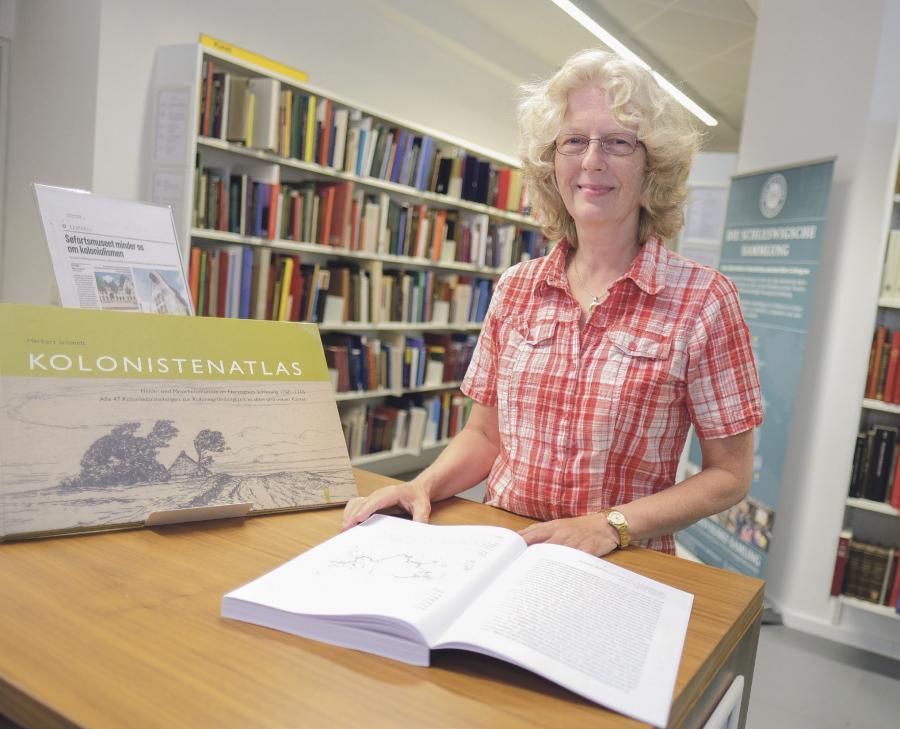 Historiker Merete Bo Thomsen har haft et vanskeligt kildemateriale at arbejde med. Bønderne skrev dengang ikke ret meget ned - måske højest noget i retning af, hvor meget såsæd de skulle bruge. Foto: Sven Geißler.
