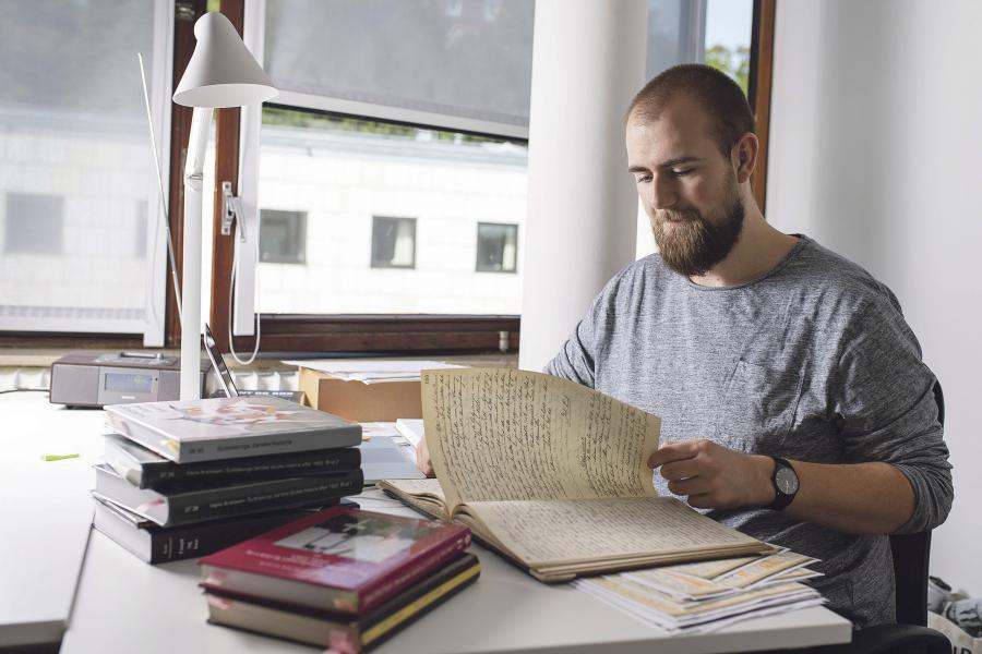 Björn von Winterfeld er ved at være færdig med et speciale, som skal give ham en master ved universitetet i Odense. Foto: Martin Ziemer.